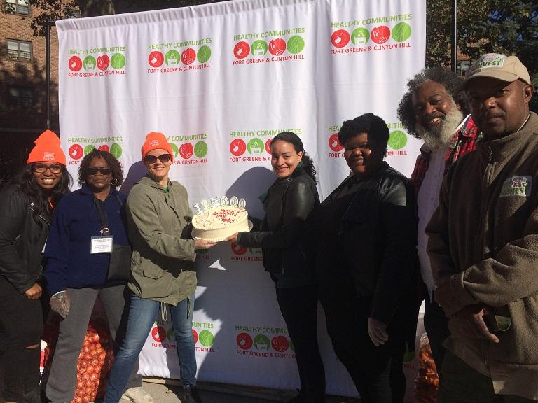 healthy-communities_fresh-pantry_anniversary_2016-769