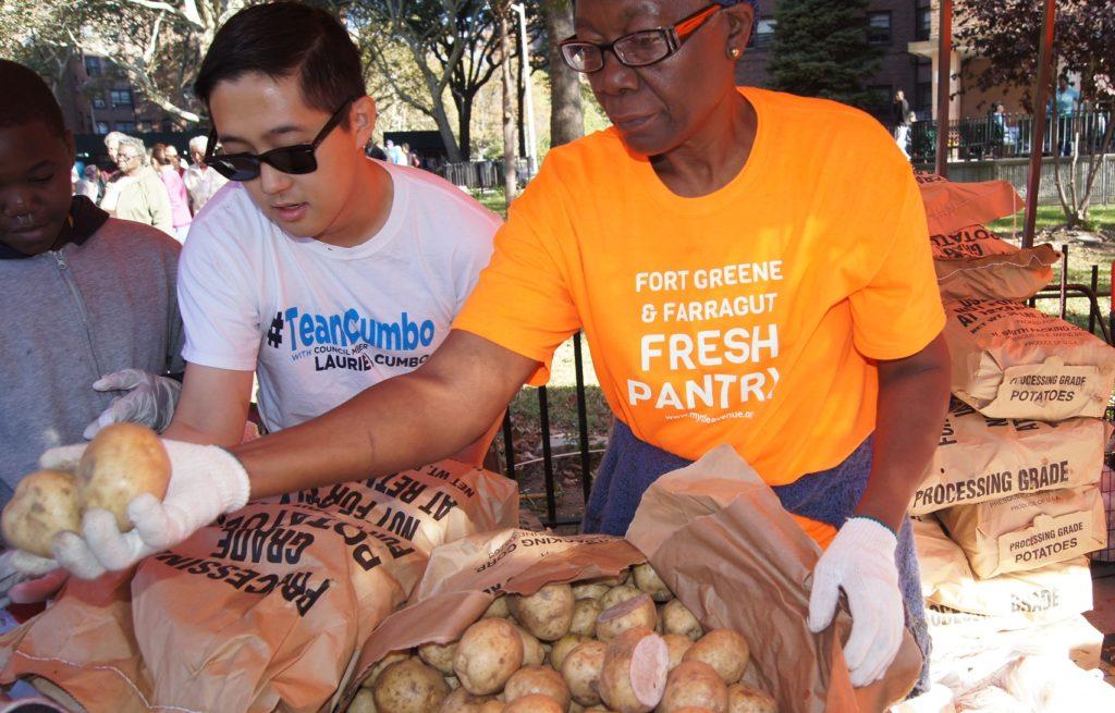 Volunteer With The Fort Greene Farragut Fresh Pantry Myrtle Avenue Brooklyn Partnership